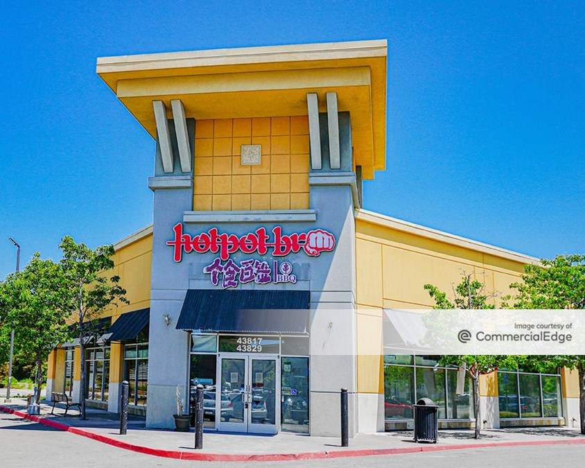 Pacific Commons Shopping Center - 43635-43829 Boscell Road