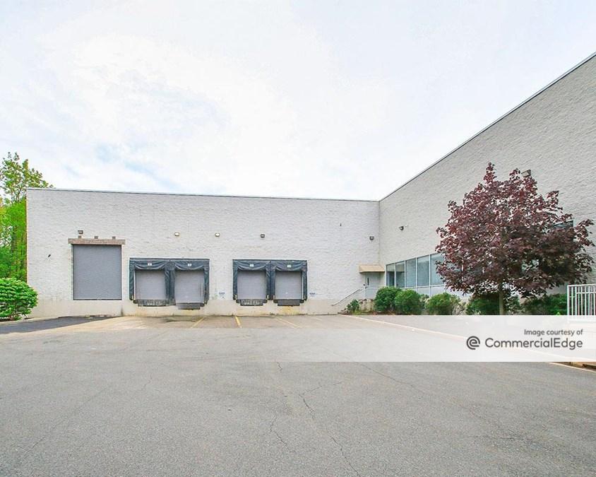 Stamford Executive Park - 650 West Avenue