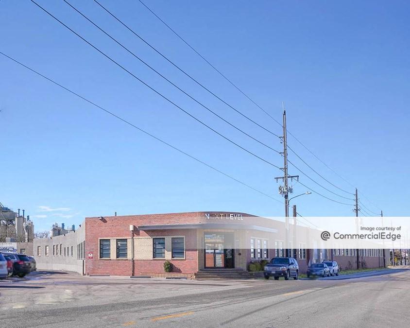 600 West Bayaud Avenue