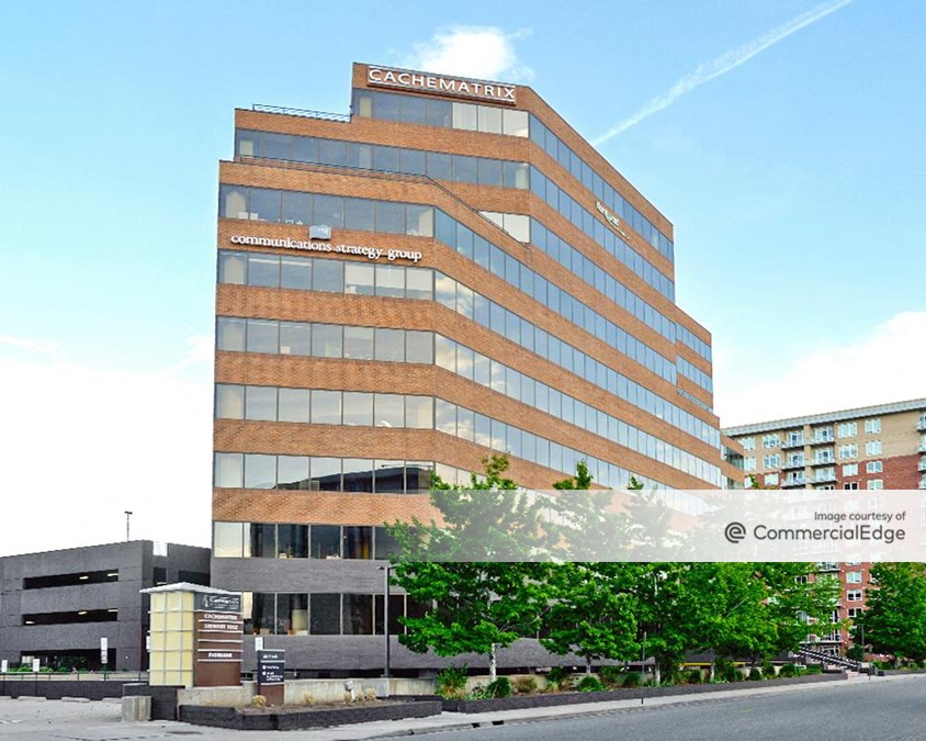 1st Avenue Plaza at Cherry Creek - 44 Cook Street