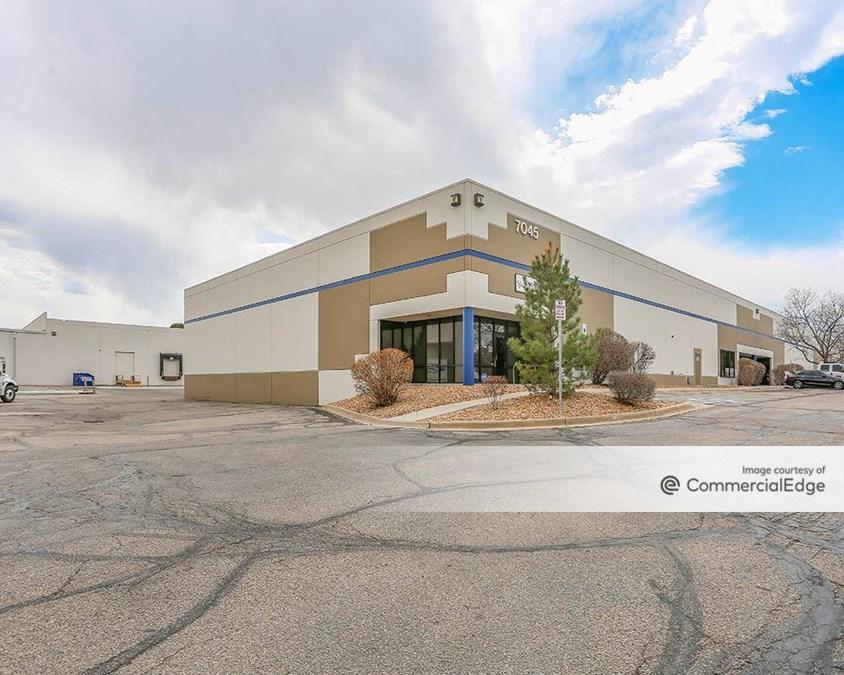 Rampart Distribution Center - 7045 & 7065 South Fulton Street