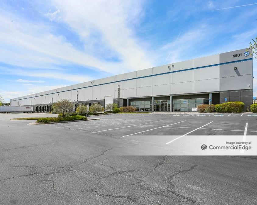 Denver Business Center - 5501 Peoria Street