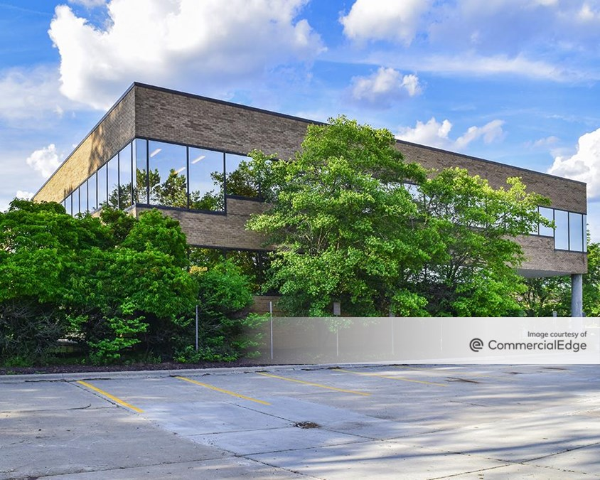 Bloomfield Office Center - 38505 Woodward Avenue