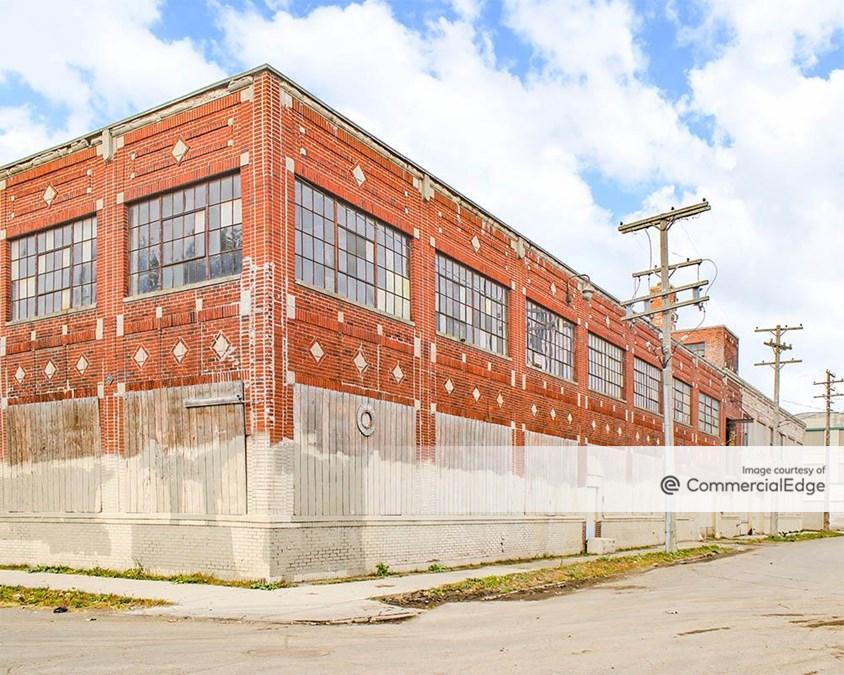 1560 East Milwaukee Avenue