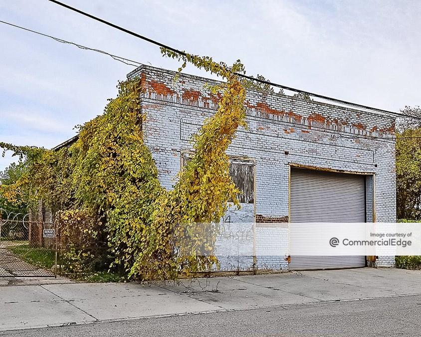 554 & 590 Lycaste Street