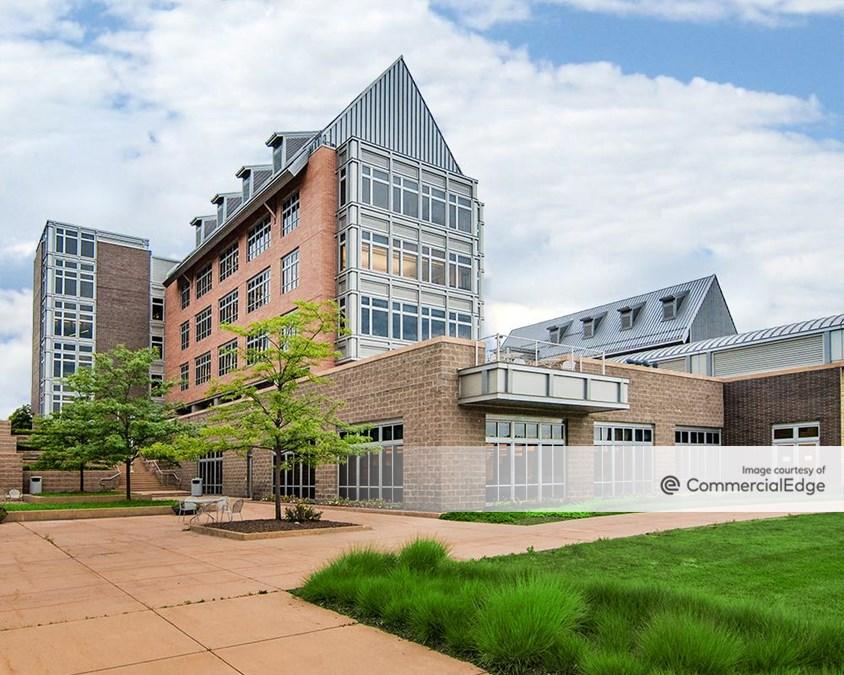 Grace Lake Corporate Center