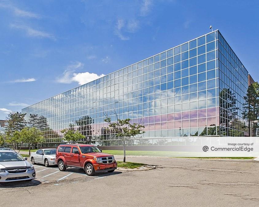 100 Galleria Officentre