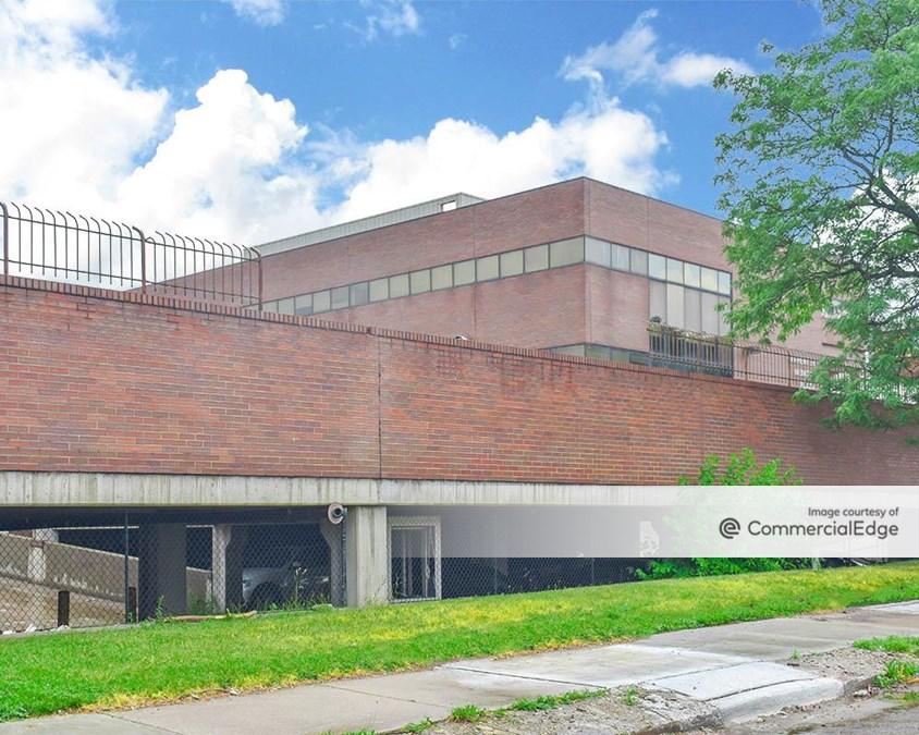 Carpenter Medical Plaza