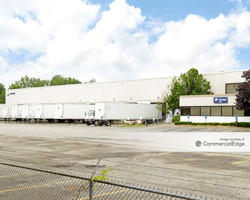 700 Manufacturers Drive