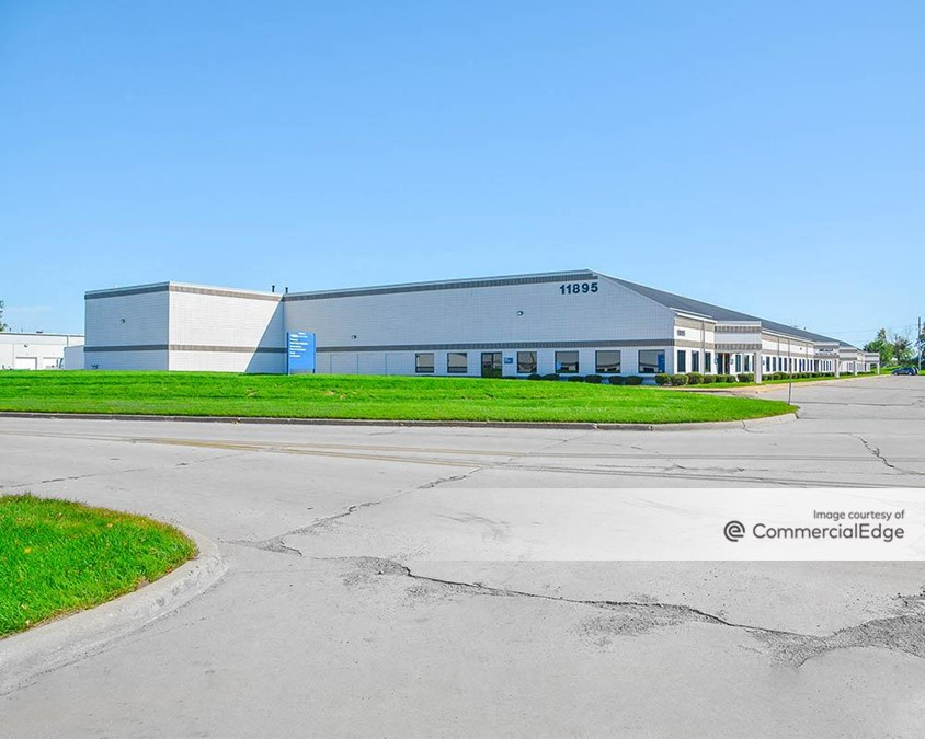 Detroit Metro Airport Center - 11895 Wayne Road & 11701 Metro Airport Center Drive