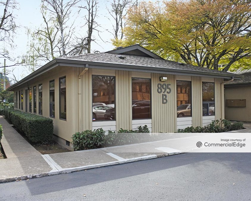 Country Club Professional Center - 895, 921, 923, 925 & 927 Country Club Road