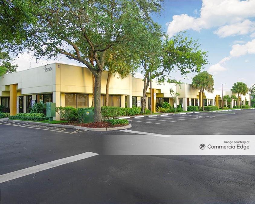 Sawgrass Business Plaza