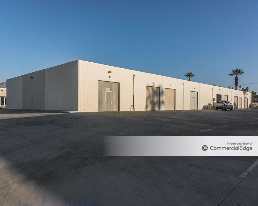 Raincross Business Center