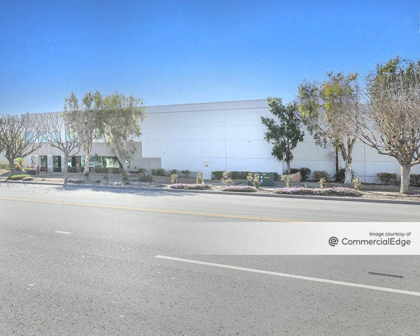 Gateway Industrial Center - 10660 Mulberry Avenue