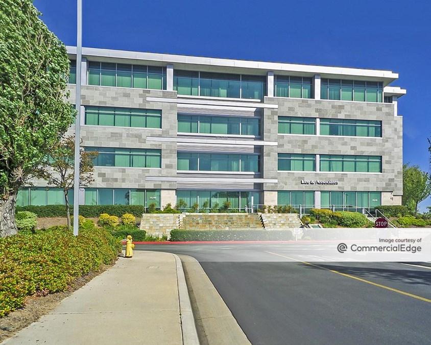 Crossroads Corporate Center - 25240 Hancock Avenue