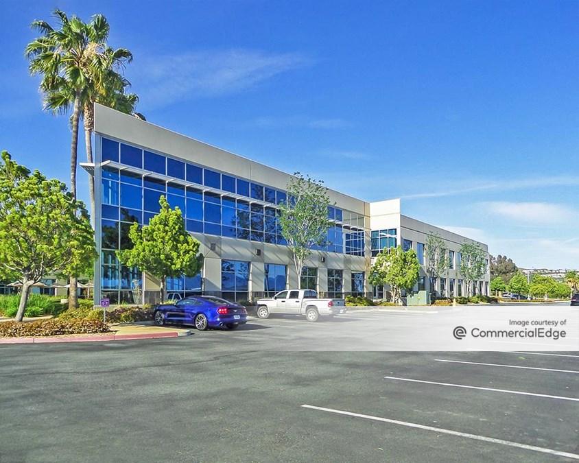 Silverhawk Corporate Center