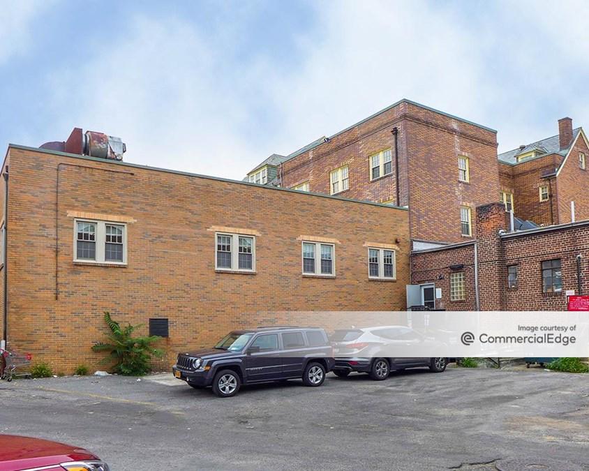 The Thomaston Building
