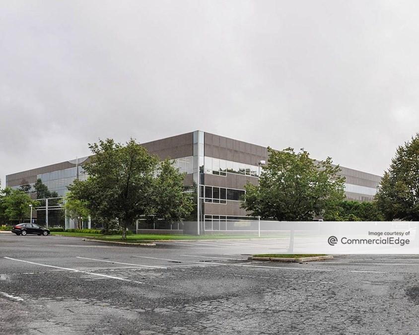 Melville Square Corporate Center