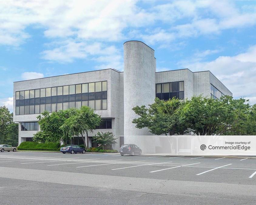 Crossways Corporate Park - 20 Crossways Park Drive North
