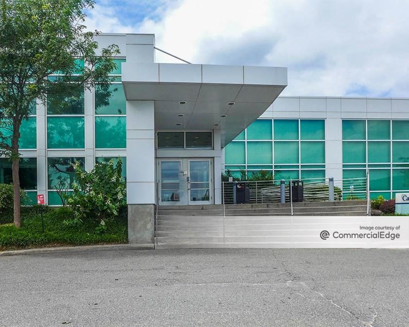 Crossways Corporate Park - 101 Crossways Park Drive West