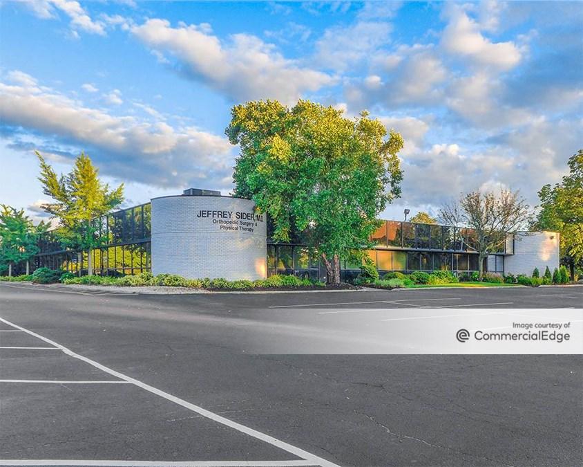 Woodbury Corporate Park - 65 Froehlich Farm Blvd