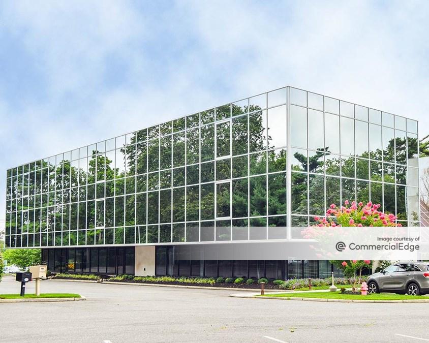 Fairfield Office Park - 700 Veterans Memorial Hwy