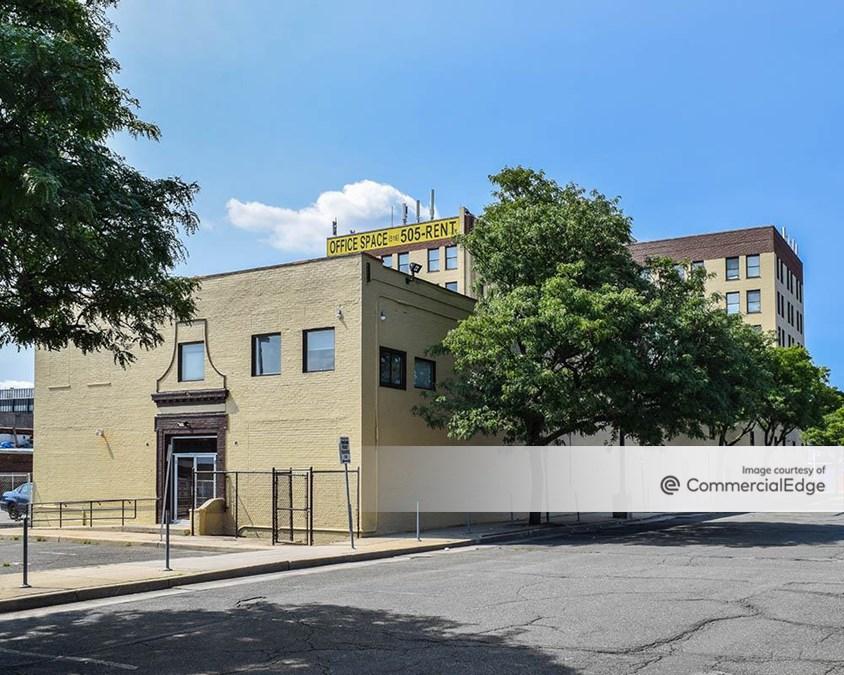 250 Fulton Avenue