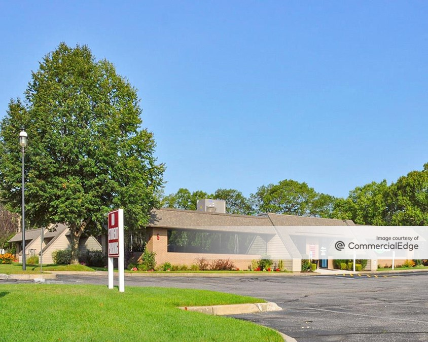 Brookhaven Executive Center - Buildings 5 & 6