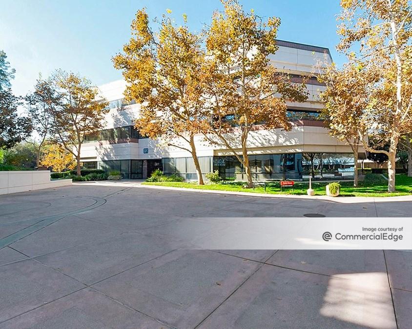Warner Gateway - 21860 Burbank Blvd