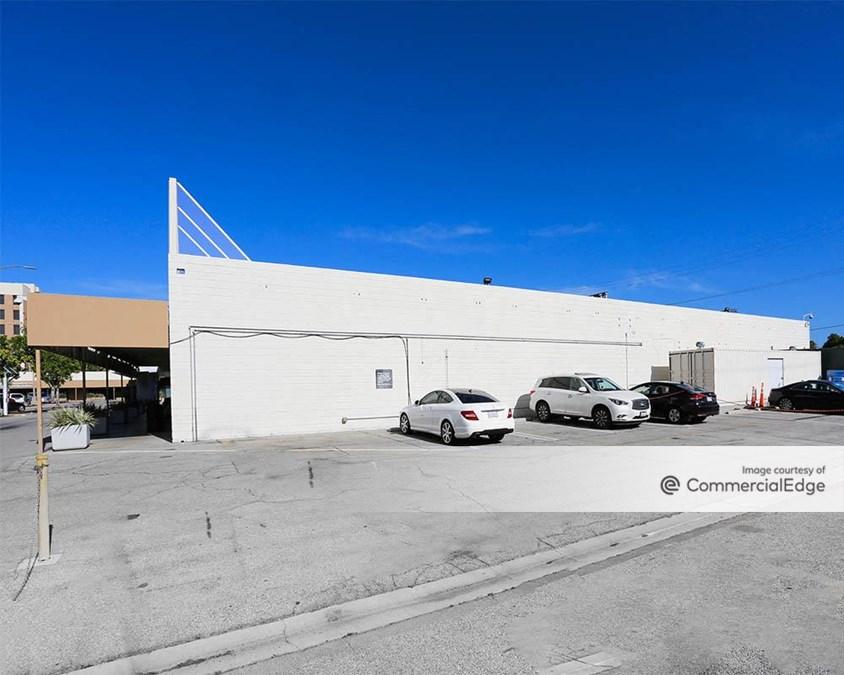 Northridge Hospital Medical Center - 18436 & 18440 Roscoe Blvd