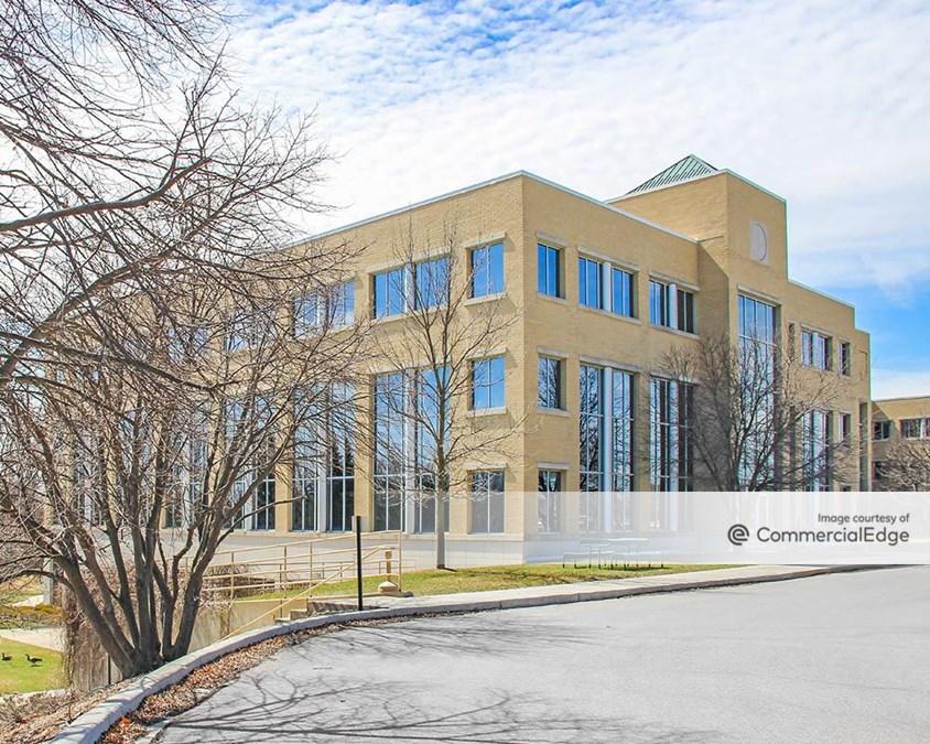 Riverwood Corporate Center - N17 W24300 Riverwood Drive