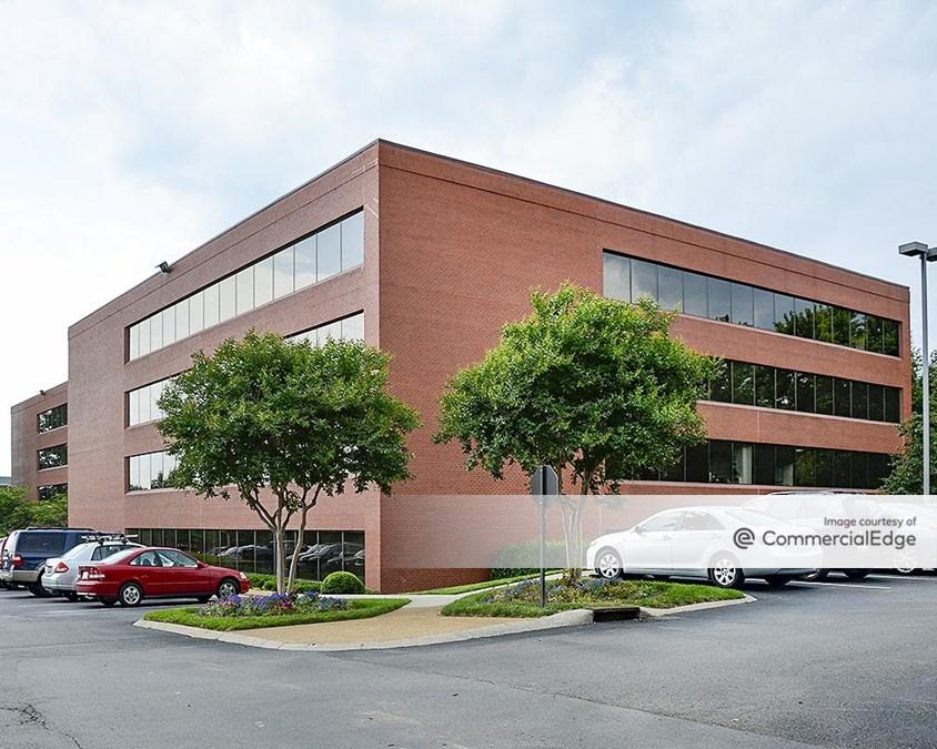 Maryland Farms Office Park - Parklane Building