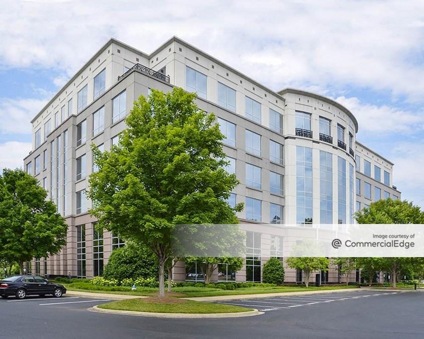 Six Corporate Centre