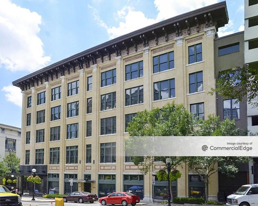 Castner Knott Building