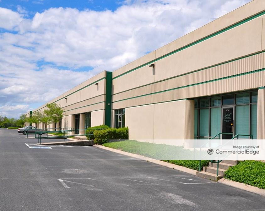 Airpark Business Center - Building 700