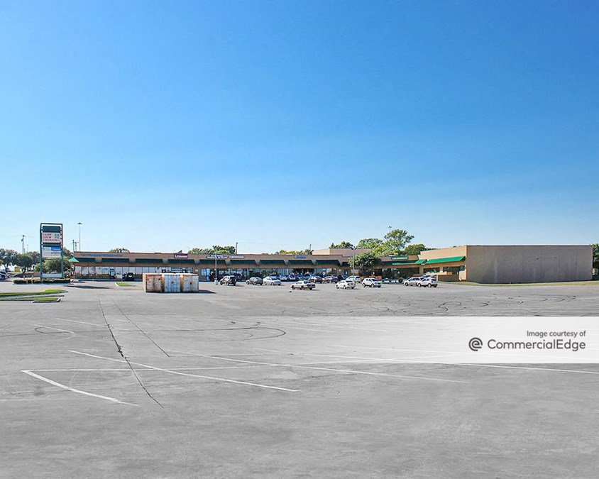 Cliffview Crossing Shopping Center