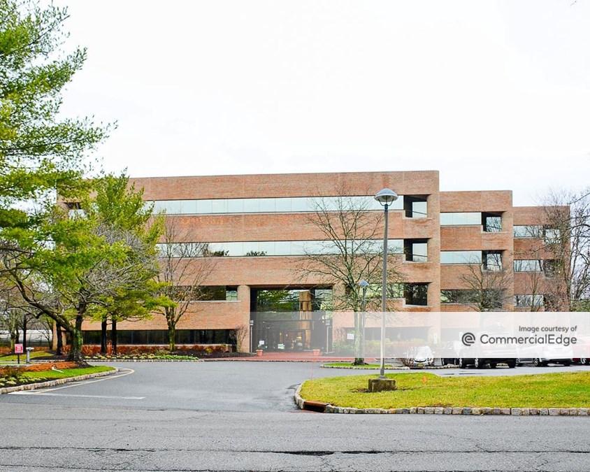 Somerset Hills Corporate Center - 10 Independence Blvd