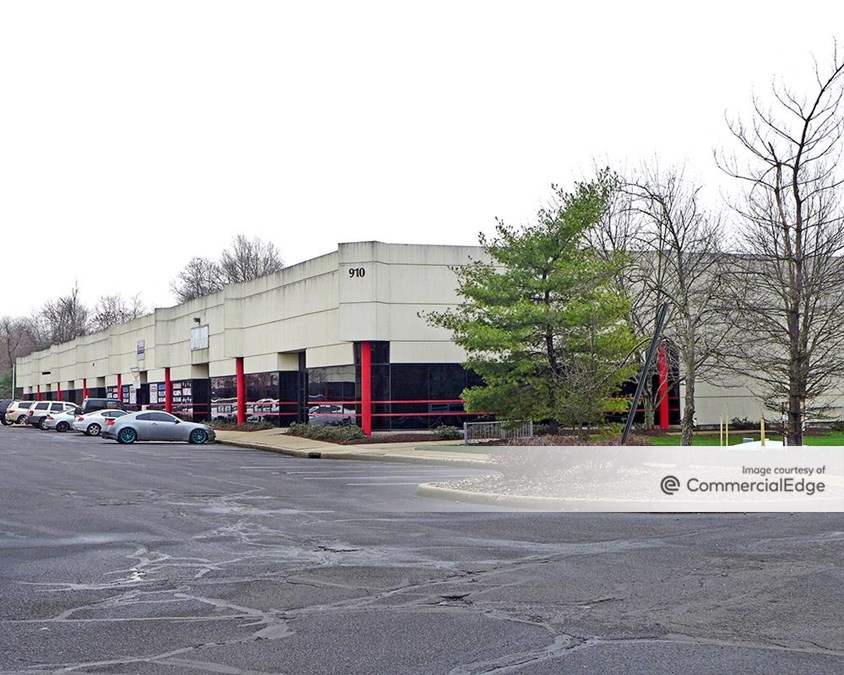 Oak Tree Business Center