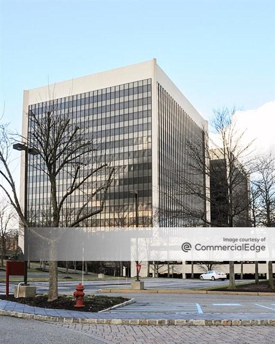 Metropark Corporate Campus - 379 Thornall Street