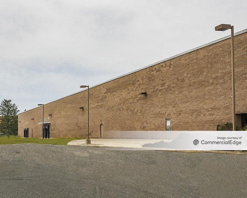 Forsgate Corporate Center - 80 & 90 Stults Road