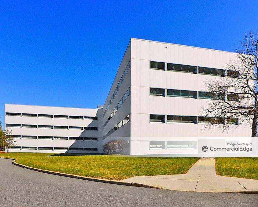 Princeton Forrestal Center - 500 College Road East