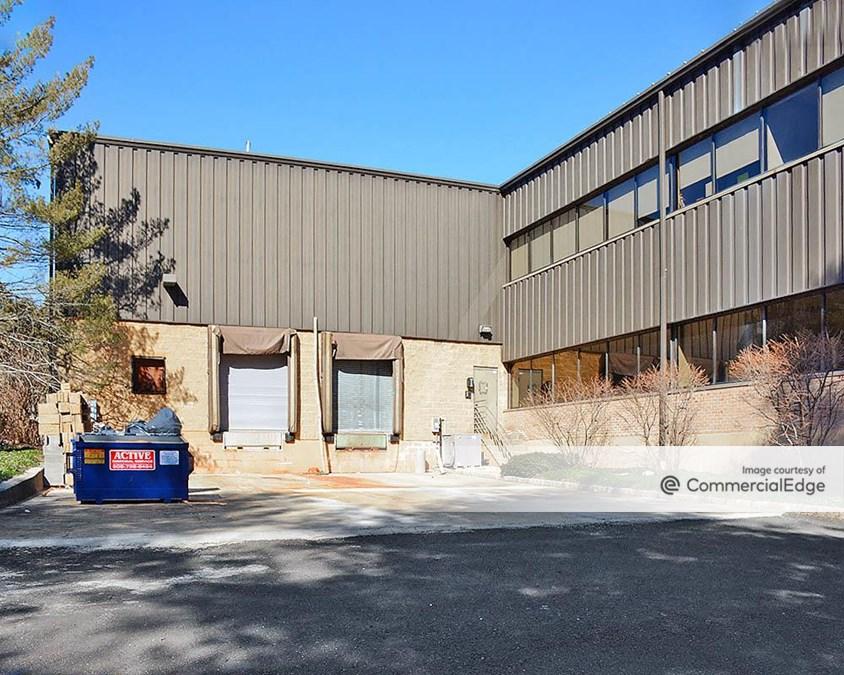 Warren Innovation Center - 40 & 45 Technology Drive