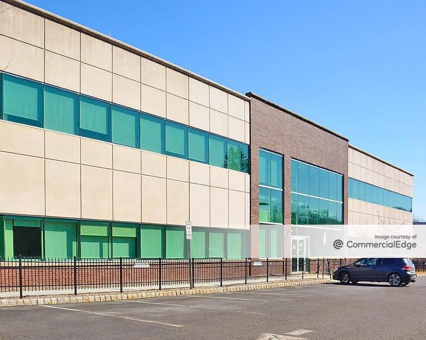 Mount Bethel Corporate Center - 33 Technology Drive