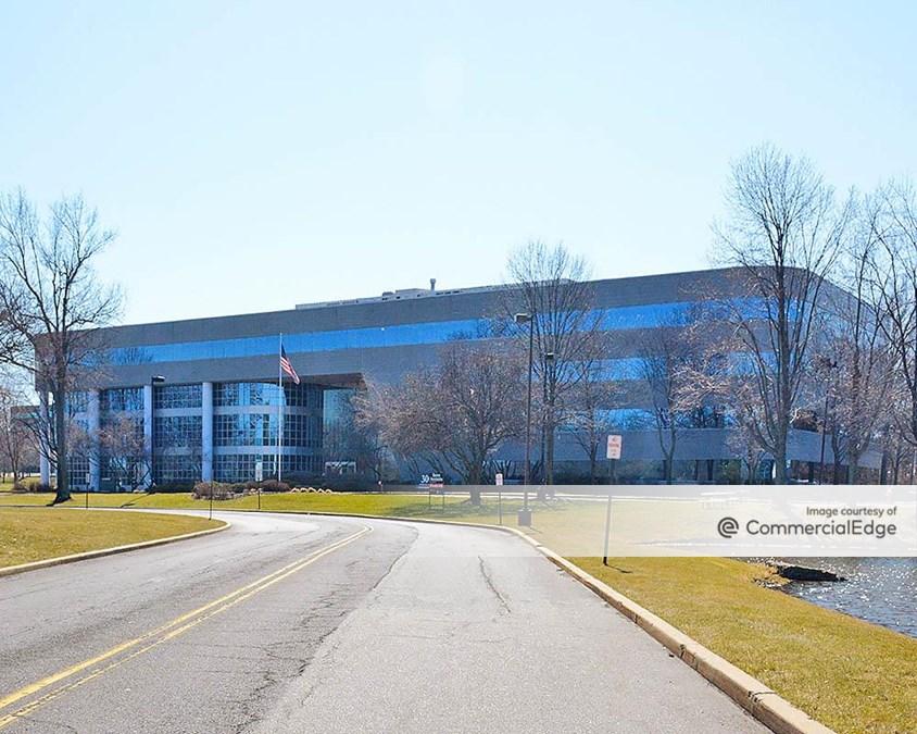 Atrium Corporate Park - 300 Atrium Drive