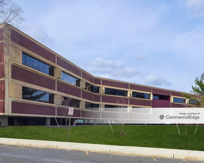 Sylvan Corporate Center 1 - 910 Sylvan Avenue