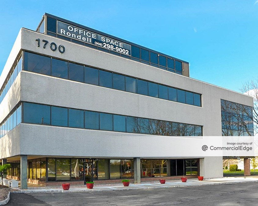 Parkway Corporate Plaza 138