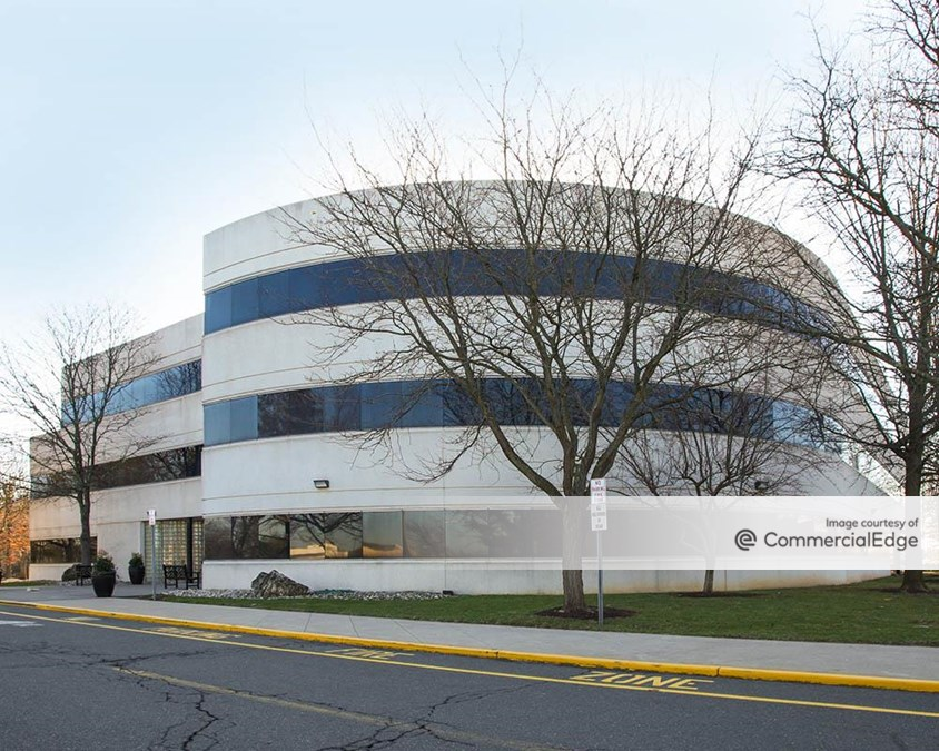 Quakerbridge Executive Center