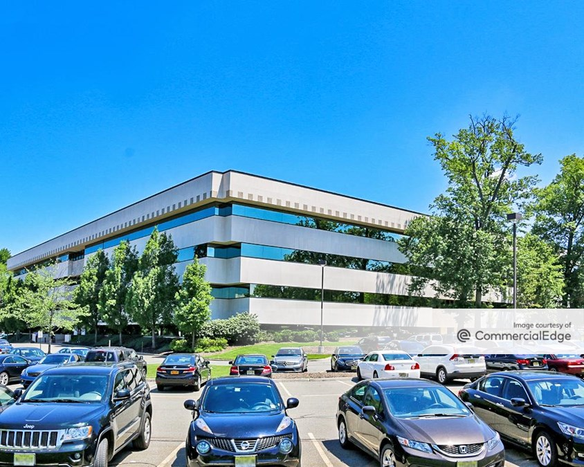 280 Corporate Center - 4 Becker Farm Road
