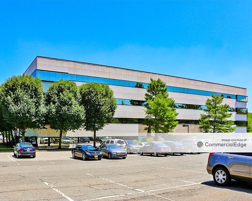 280 Corporate Center - 85 Livingston Avenue
