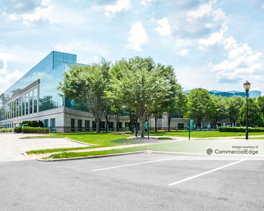 The Arbors at Parsippany - 8 Campus Drive